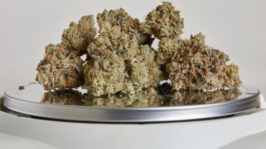 How many grams are in an ounce of weed? | Weedmaps