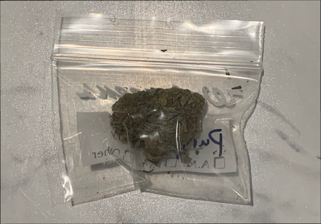 How Many Grams Is a Dub of Weed?   Weight of a 20 Sack of Weed   Marijuana  News and Facts
